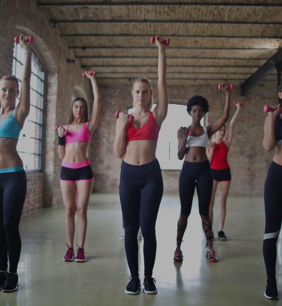 women-lifting-weight